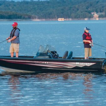 A Ranger fish boat, one of State Park Marina's options for Table Rock Lake boat rentals