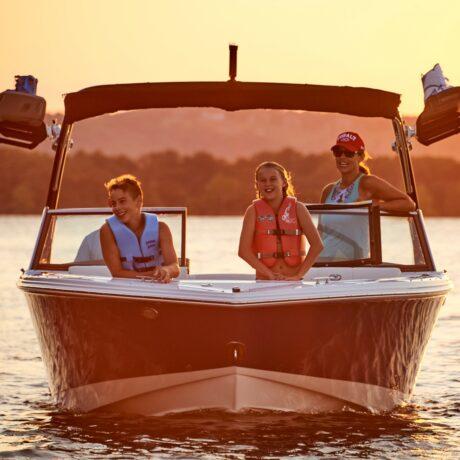 A family enjoys a boat rental from Murray Harbor
