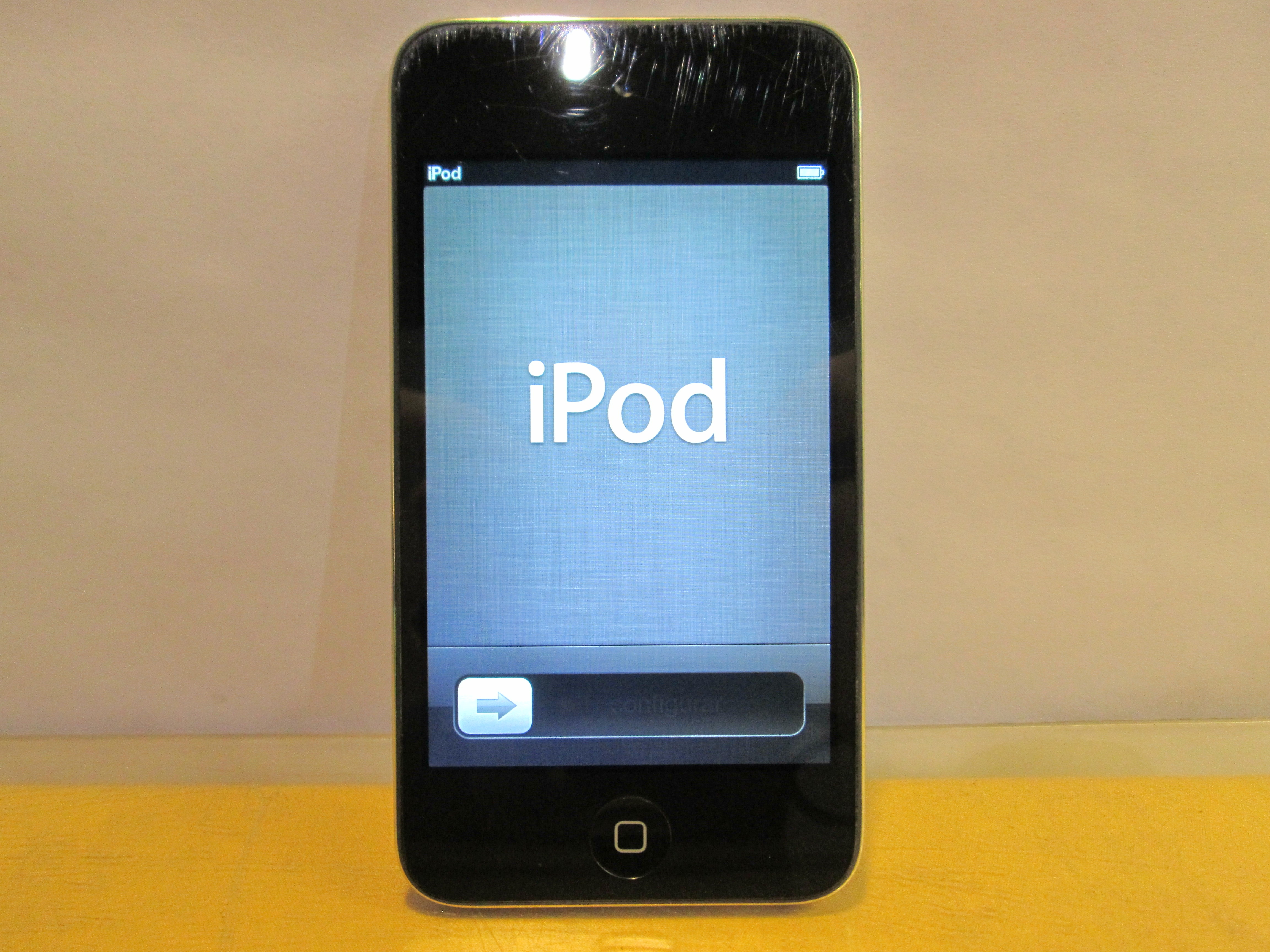 Apple iPod Touch 4th Generation Black (8 GB) | eBay