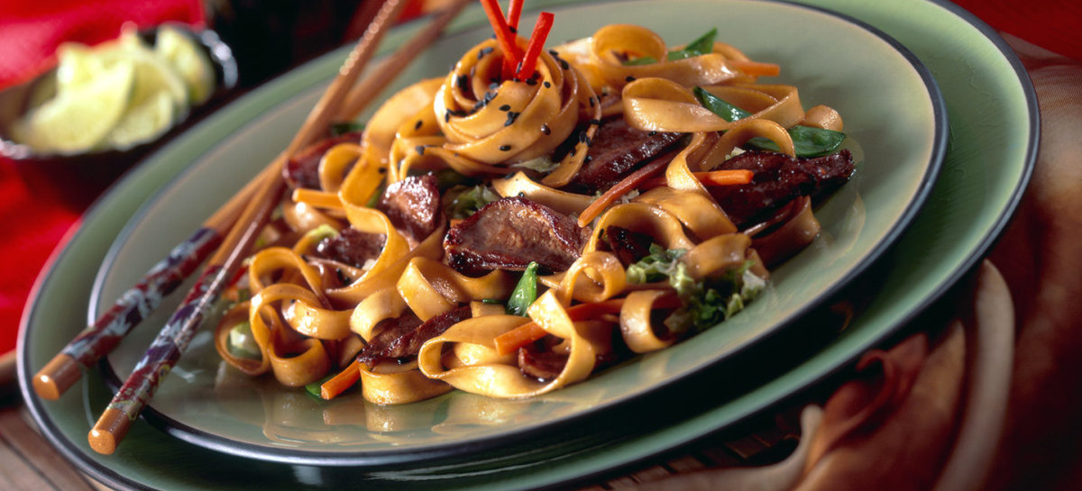 Spicy barbecue duck lo mein