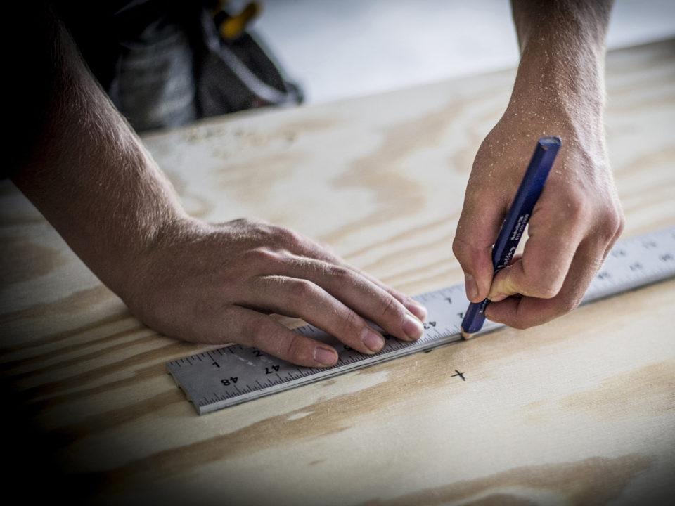 Hand pencil ruler