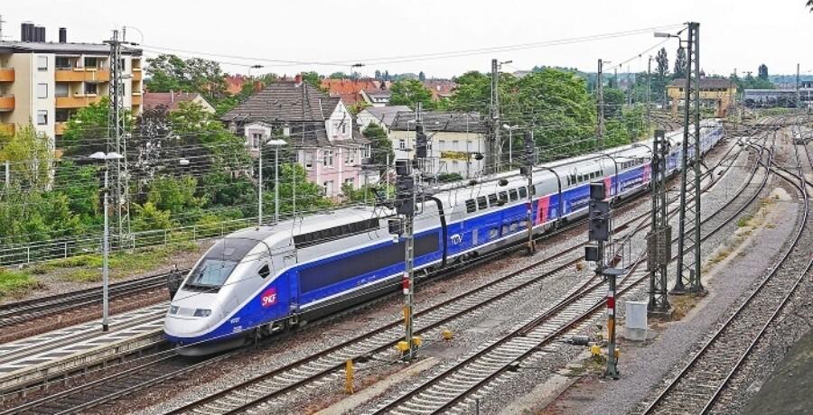 Ff Sncf Bullet Train France 700X358