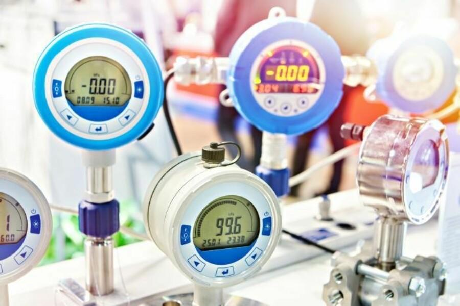 industrial measurement tools and gauges