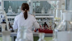 woman working in life sciences lab