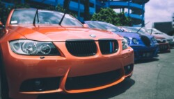 Automobiles_Cars_Bmw_Sales_Lot
