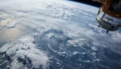 Satellite_Earth