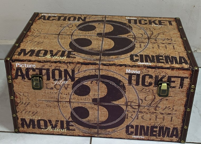 "Baú Decorativo Vintage Retrô G ""Cinema Action Ticket Movie 3"""