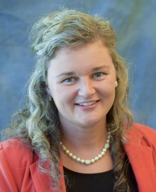 Theresa Thornburg headshot