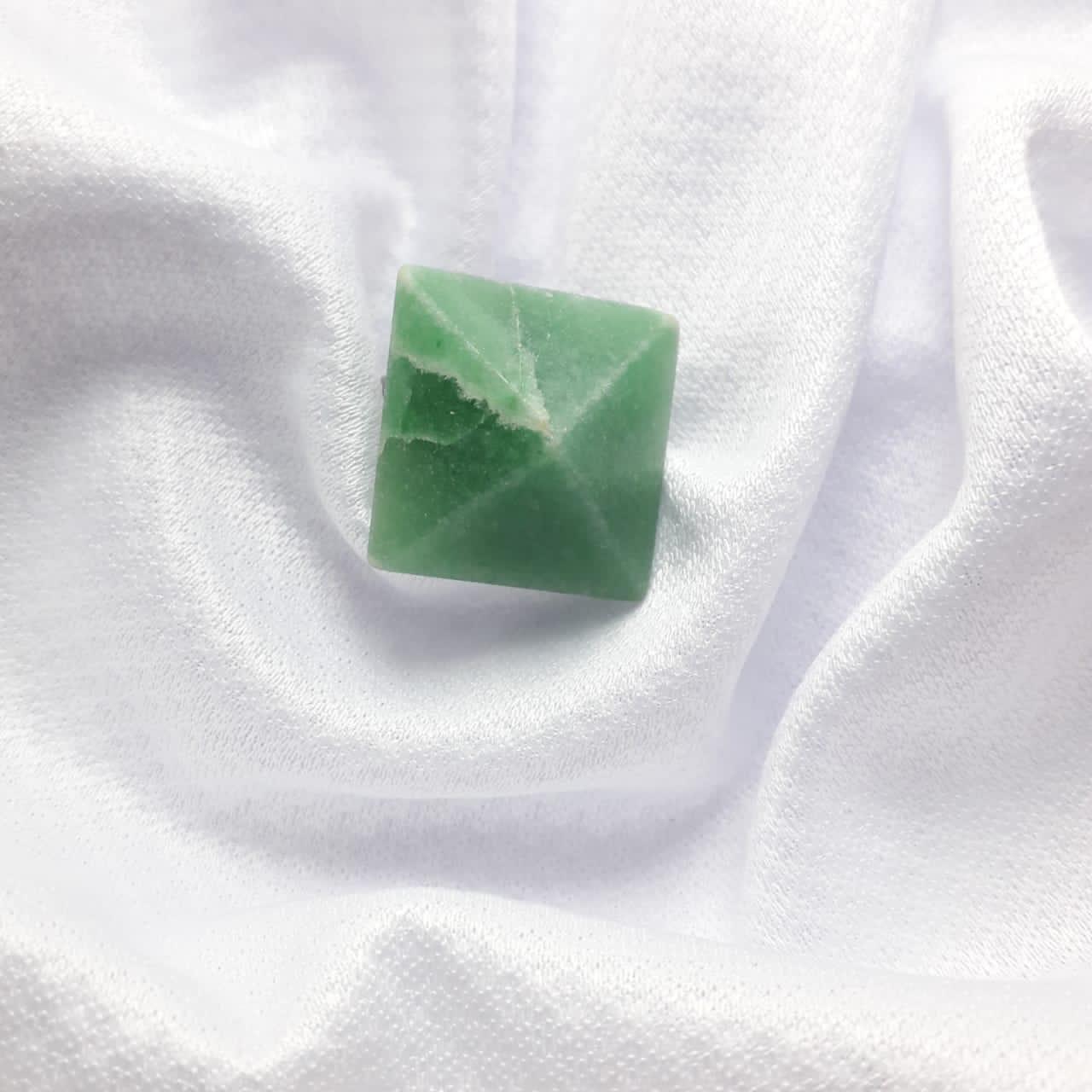 Anel Triangular de Quartzo Verde