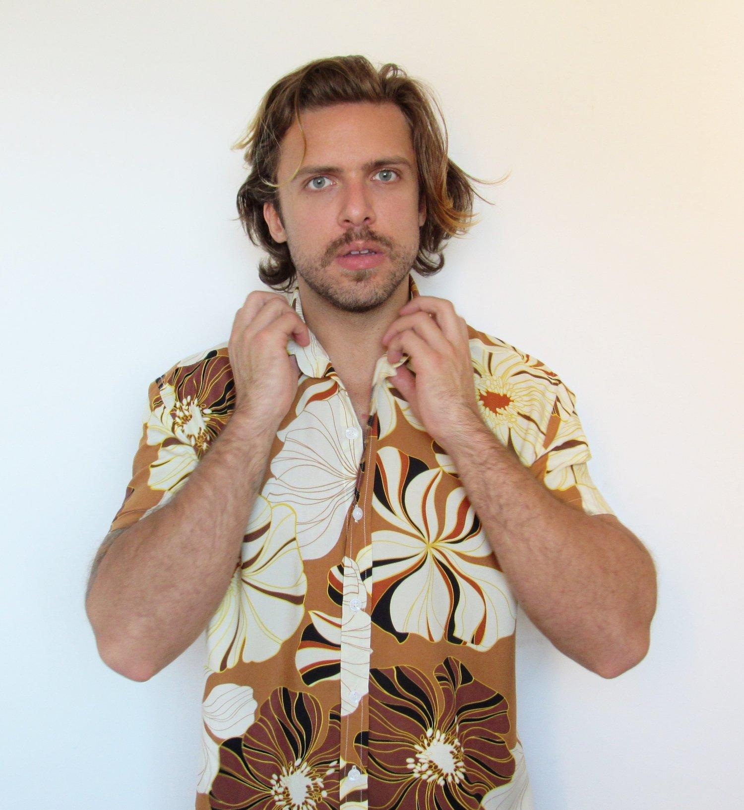 Camisa Flores Pastéis