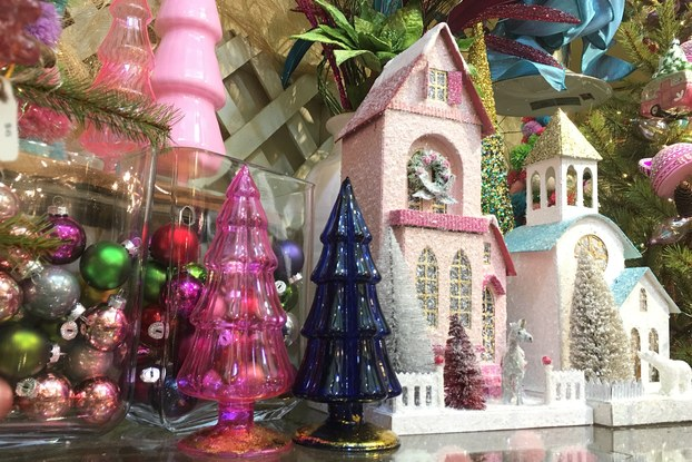 holiday decor display by Sneeds Nursery