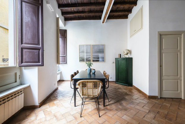 Interior of a 4-bedroom apartment in Rome by Sonder.
