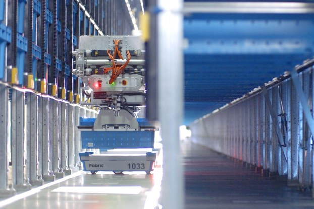 robots working in Fabric's micro-fulfillment center