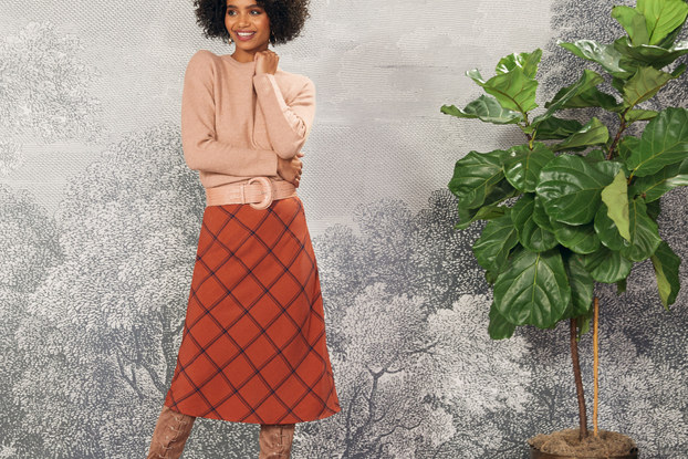 woman modeling modcloth clothing
