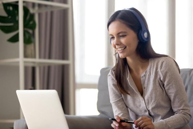 Salesperson using relationship intelligence software.