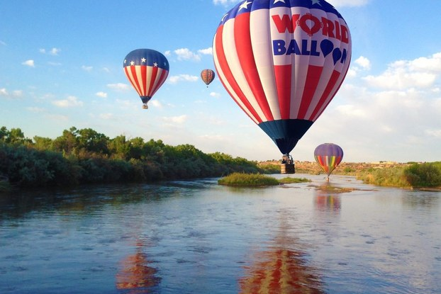 hot air balloons from world balloon in new mexico