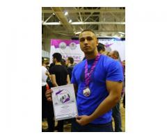 Фитнес-тренер и бодибилдинга