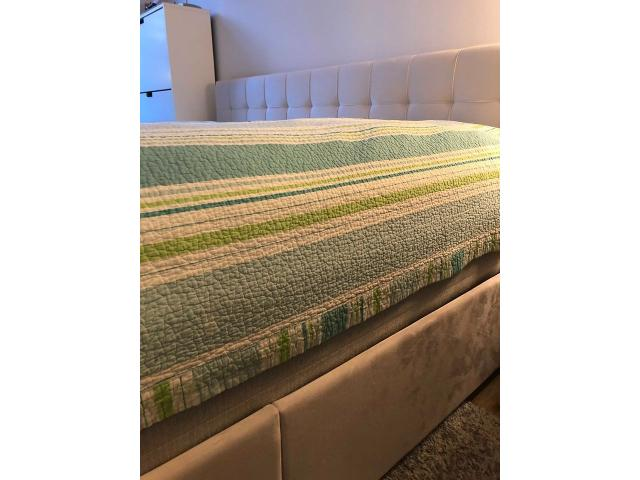 King size bed with storaqe