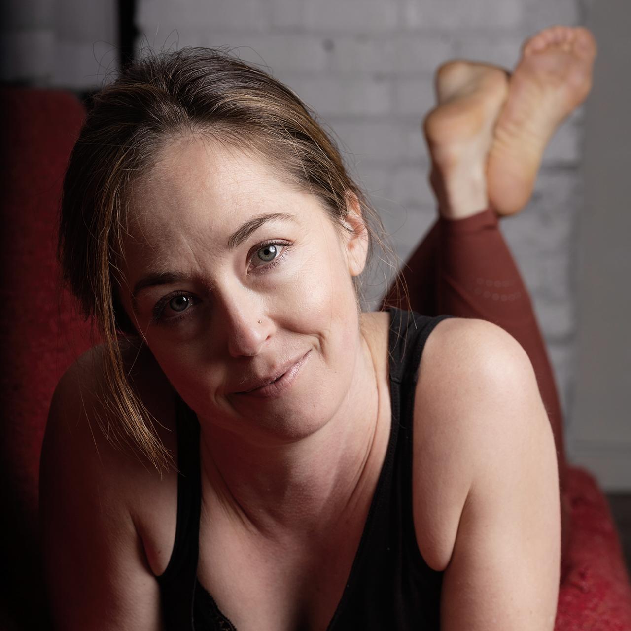 Sharon Barto Gouran headshot yoga