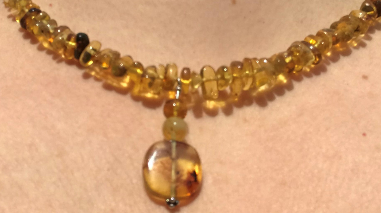 amber necklace with pendant