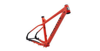 San Quentin 3 frame kit front 3/4, gloss red/black