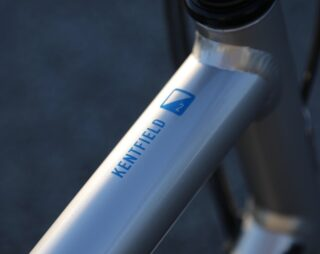 Detail image of a Kentfield 2 bike top tube.
