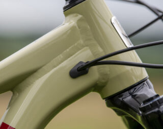 Detail shot of the slack 63.5° head tube angle