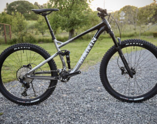 Profile image of the Rift Zone 27.5 3 on a gravel driveway