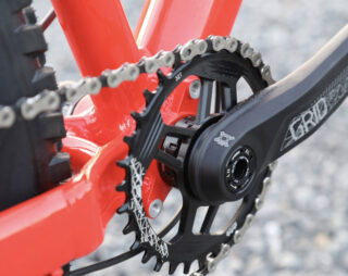Detail image of the San Quentin 3, highlighting the crankset and ISCG 05 tabs