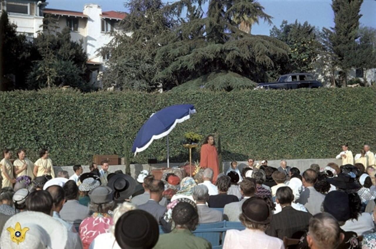 B History Behind The Voluntary League Of Lay Disciples Yogananda At Convocation