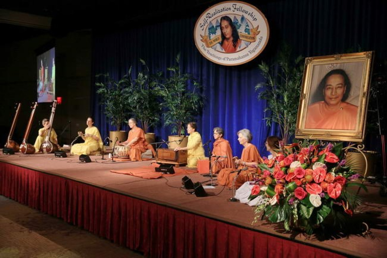 Expand Its Reach - Nuns Lead Kirtan at SRF Convocation