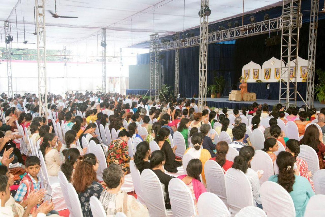 Brother Chidananda In Mumbai For Blog November 10 Delivering Satsanga 1
