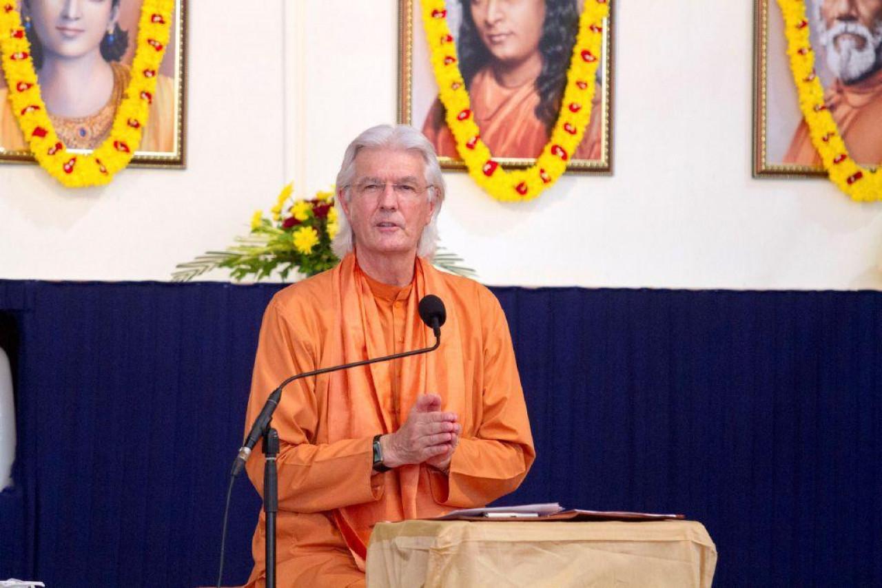 Brother Chidananda In Mumbai For Blog November 10 Delivering Satsanga 2