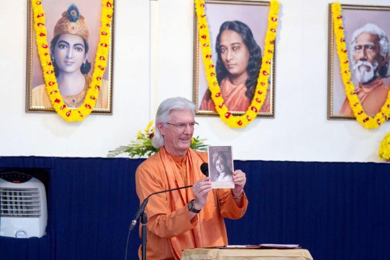 Brother Chidananda In Mumbai For Blog November 10 Holding Up Noble New