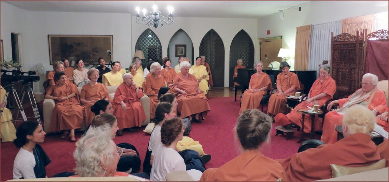 Sannyas Nuns Informal Gathering At Mother Center