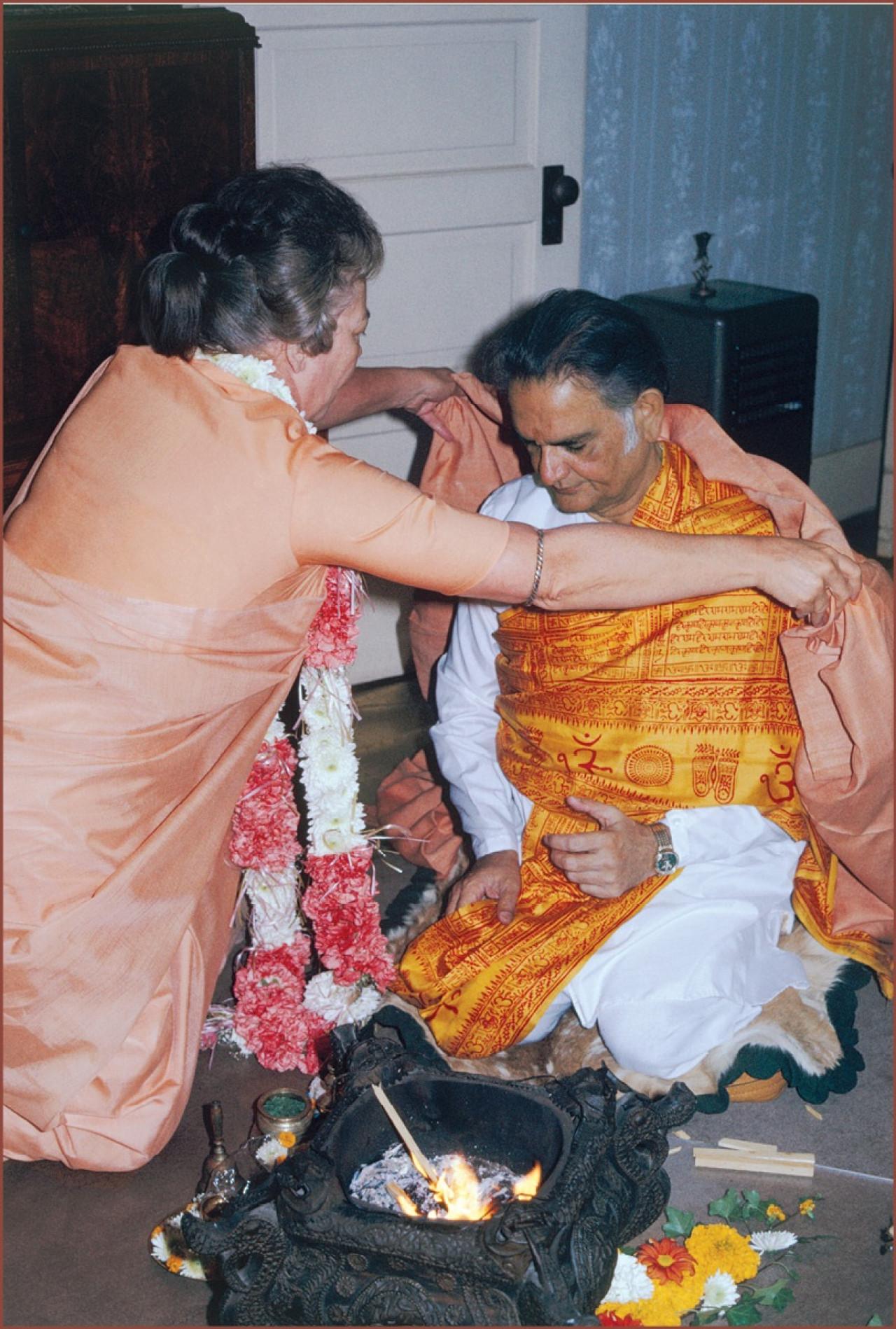 Sannyas Sri Daya Mata And Shyamananda