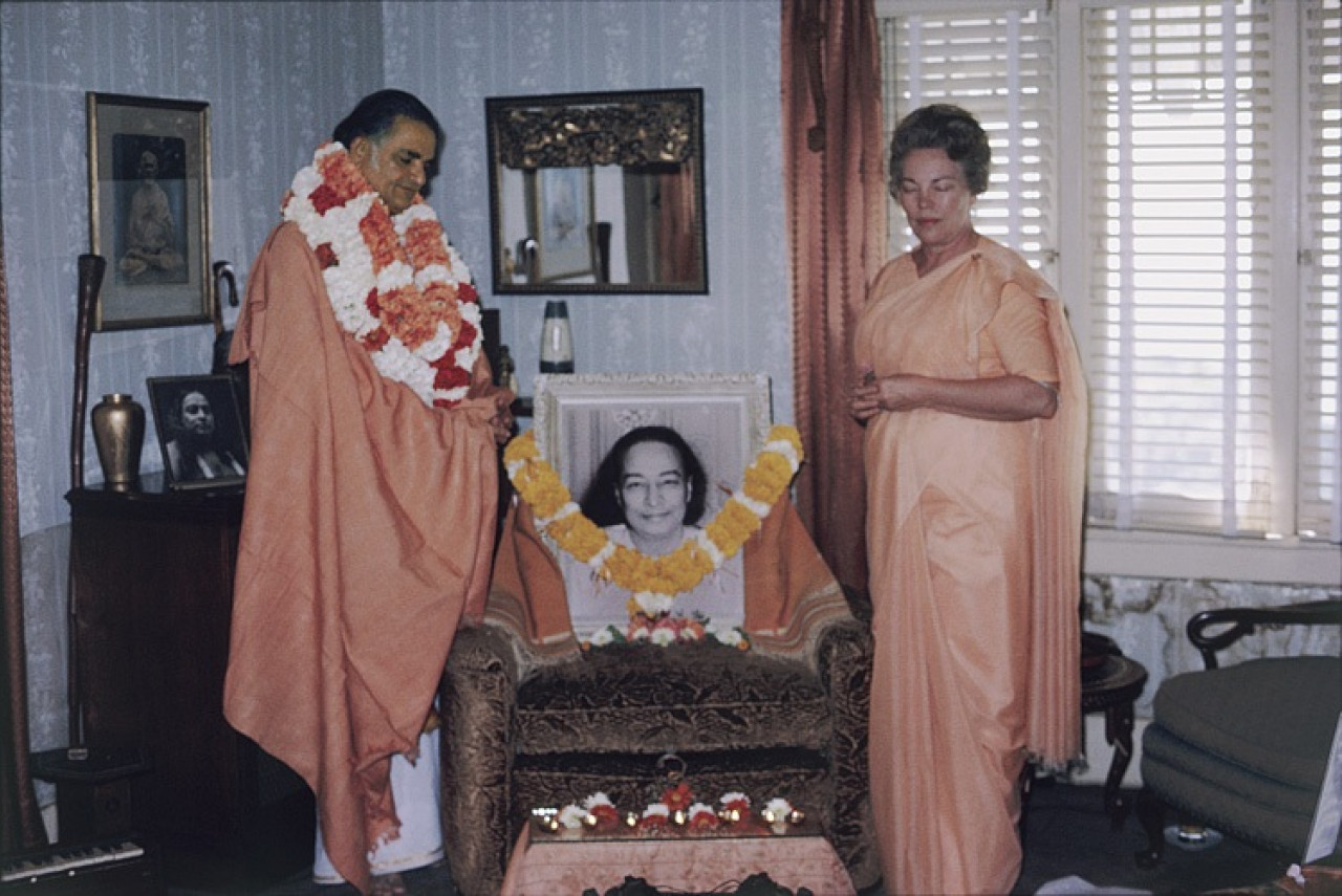 Sri Daya Mata And Swami Shyamananda Stand In Silent Prayer At The Conclusion Of Swamijis Sannyas Vow Ceremony