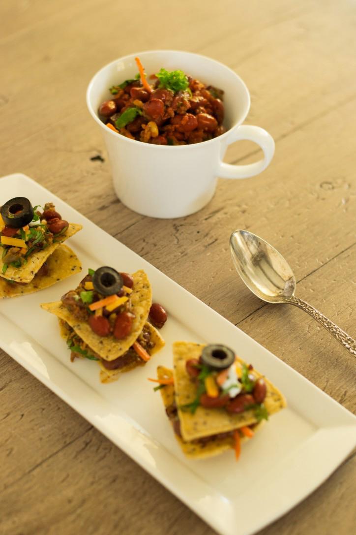 Veggie-Chili-and-Skinny-Nachos-724x1087