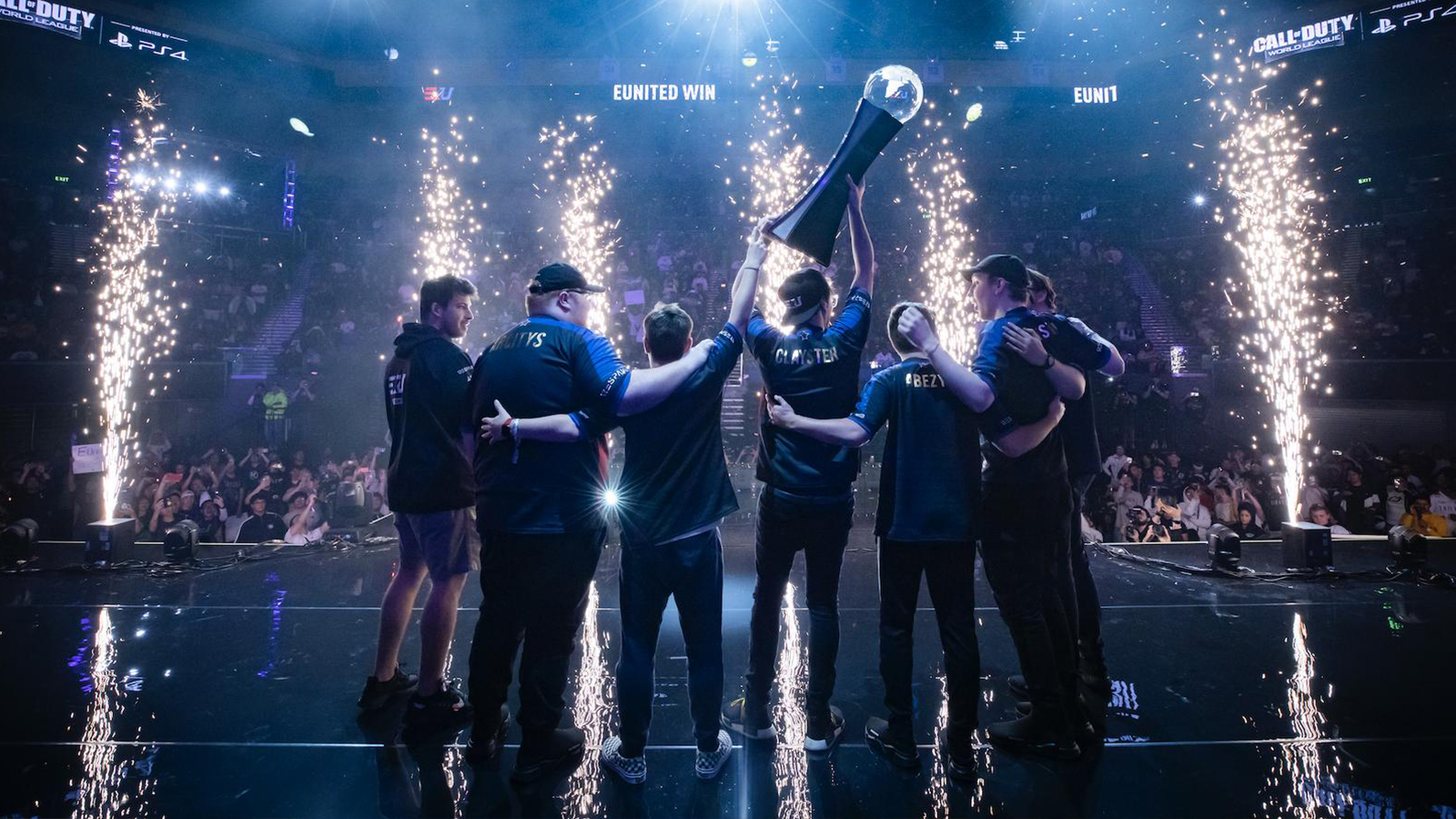 eUnited celebrating at 2019 CoD Champs