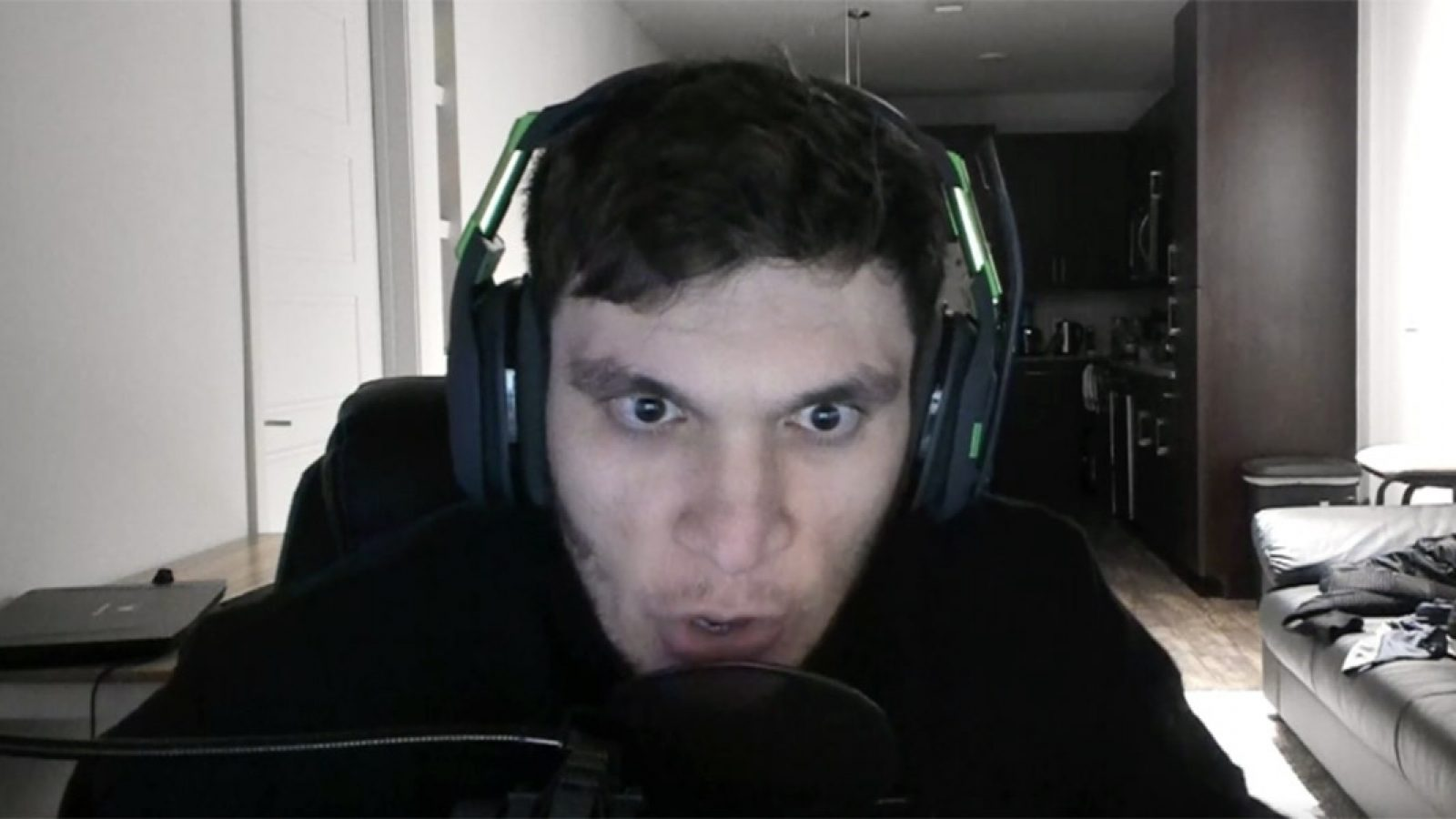 Twitch: Trainwrecks
