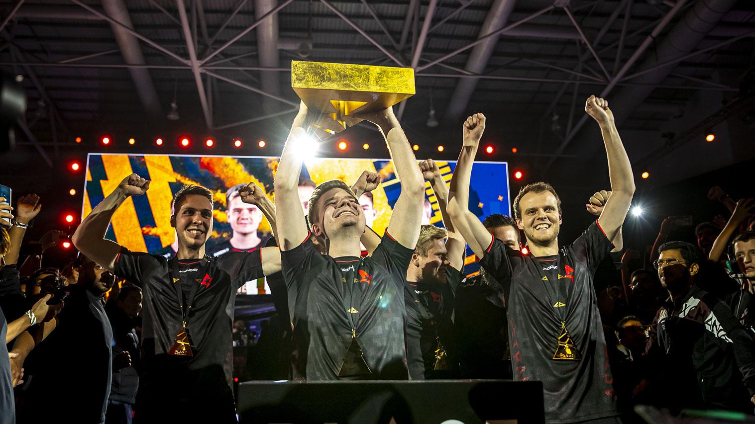 Astralis lifts BLAST Global Finals trophy