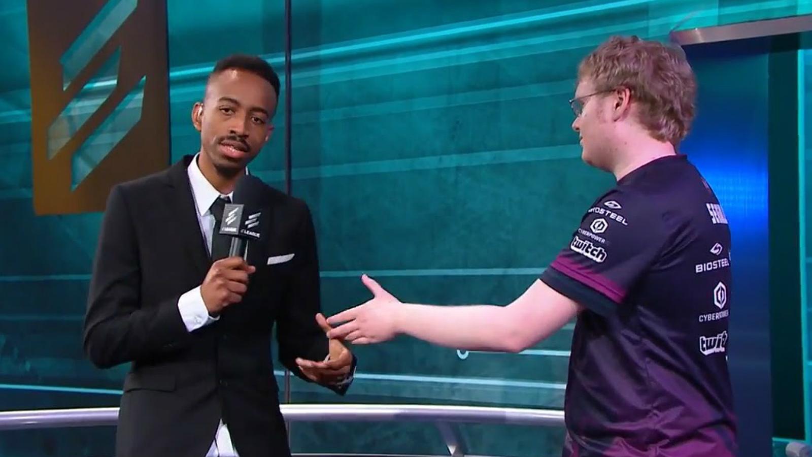 Malik Forte hosting ELEAGUE tournament