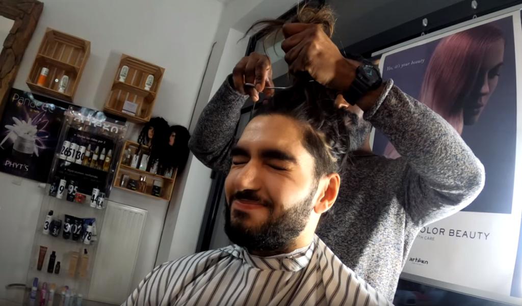 Scream one tap haircut