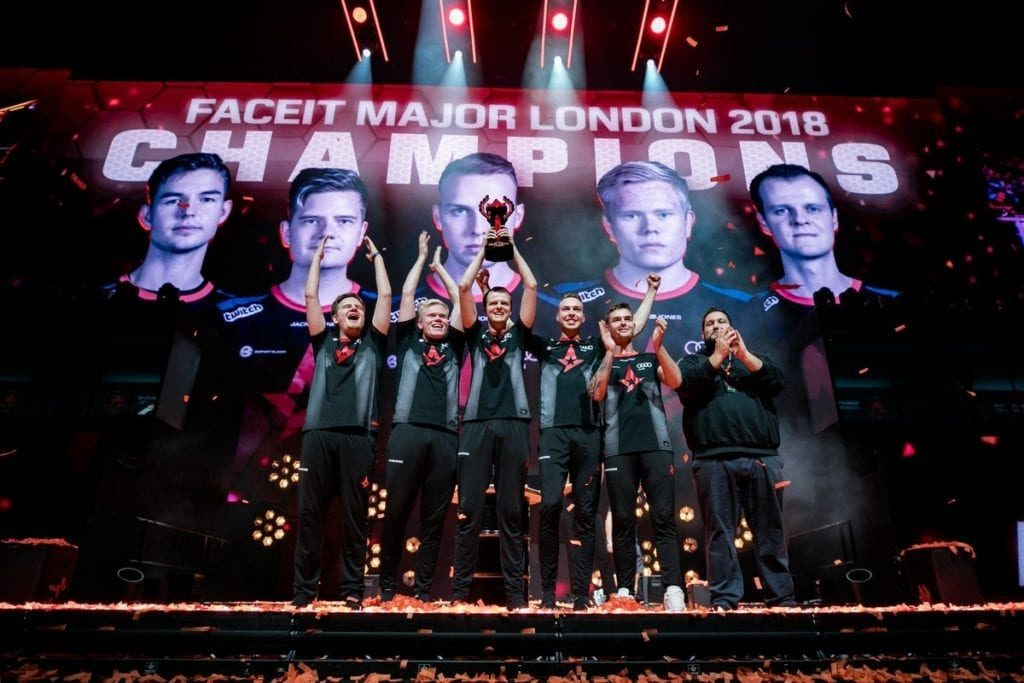 Astralis raise FACEIT London CSGO major trophy.