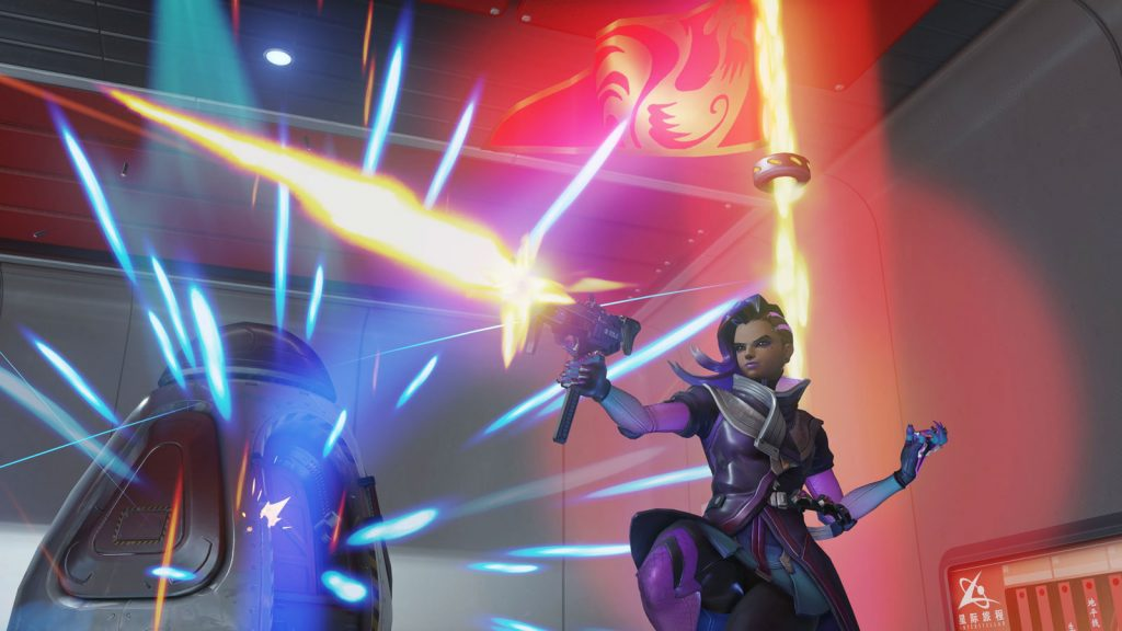 Sombra carries the flag in Overwatch CTF game mode.