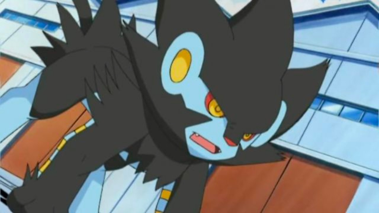 Luxray gets into battle position