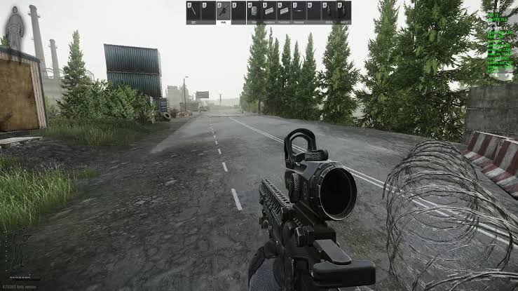 Escape From Tarkov gameplay with barbed wire
