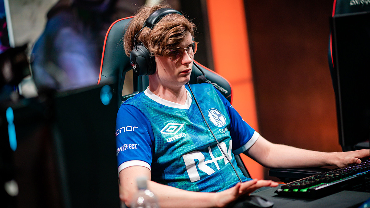 Upset playing on LEC stage for FC Schalke O4