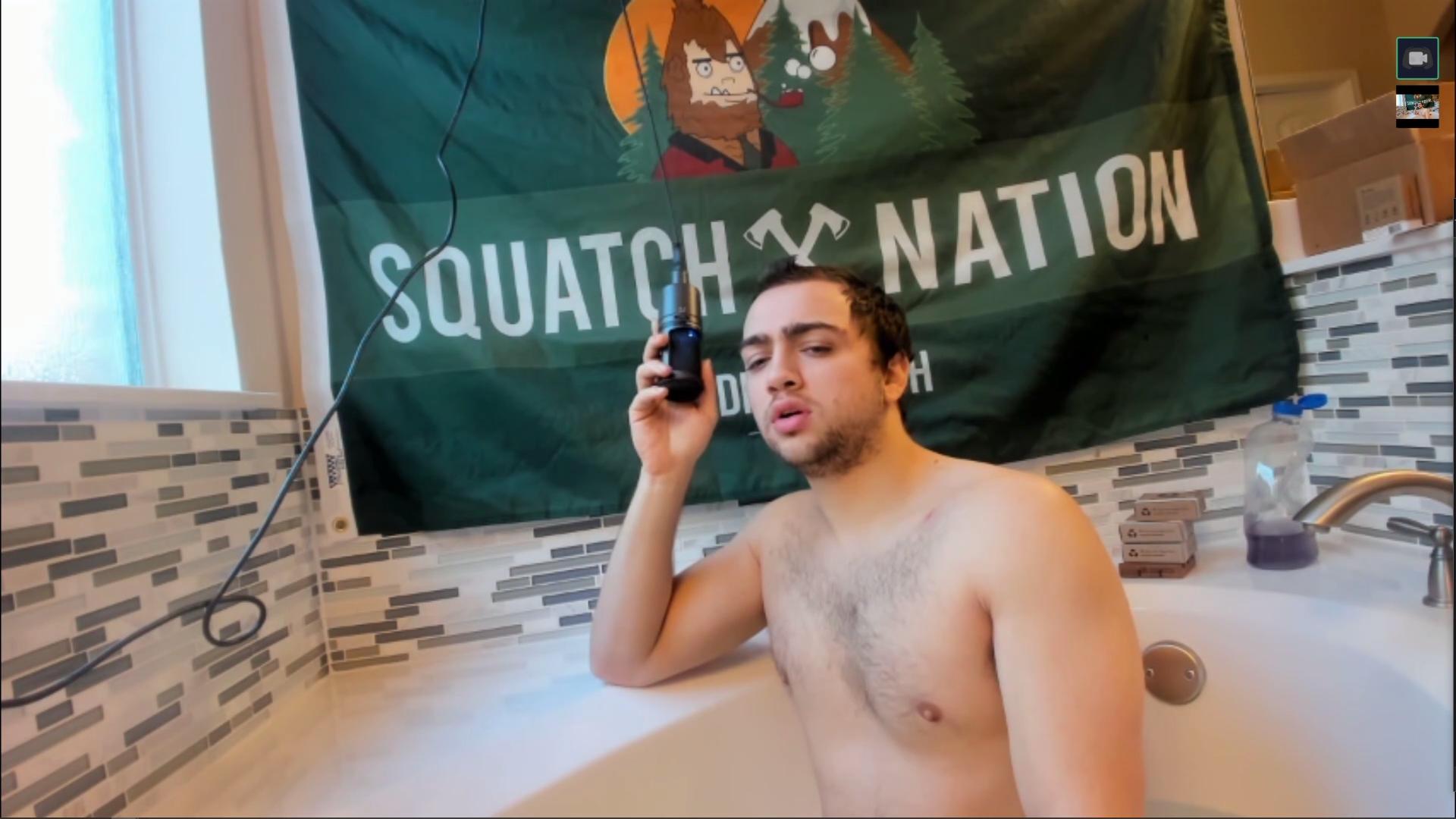 Mizkif in bathtub on Twitch stream