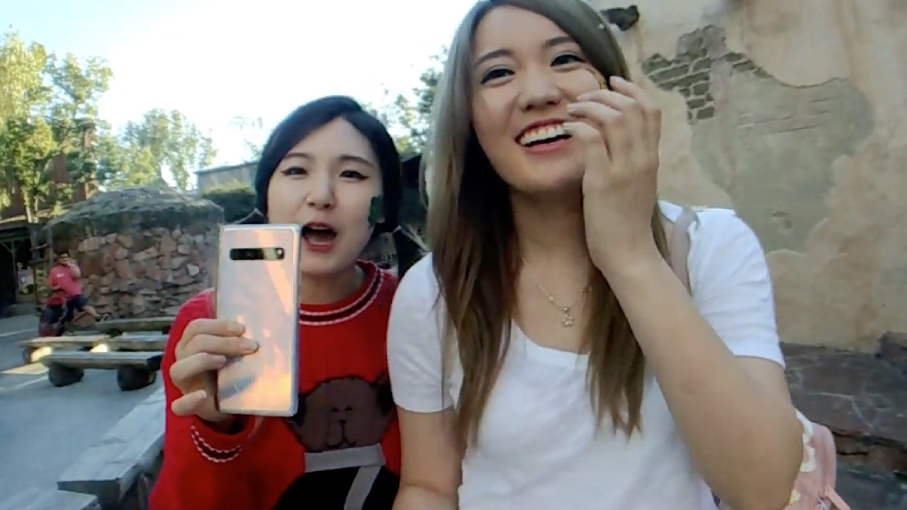 AngelsKimi and HAchubby at theme park